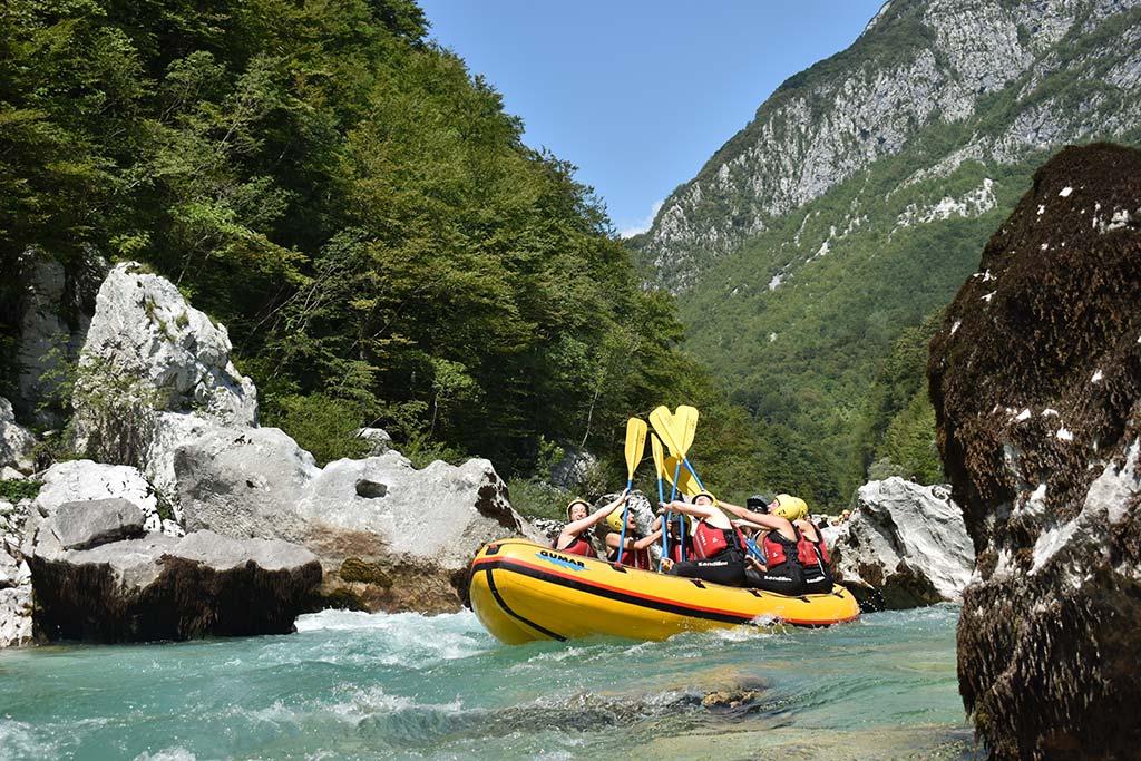 Vznemerljiv rafting na Soči, Bovec, Slovenia